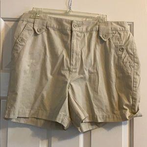 Woman's Sonoma khaki shorts, Size 16
